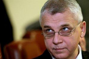 Бывший и.о. министра обороны объявил голодовку