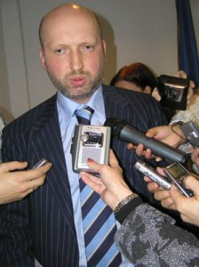 Турчинов видит, как обвинения против Тимошенко разваливаются