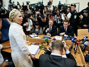 Адвокат Тимошенко считает, что ее судят за любовь к избирателям