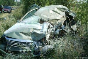 Dacia налетела на грузовик: погибли четыре человека