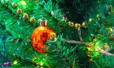 Четверть украинцев будет встречать Новый год с искусственными елками