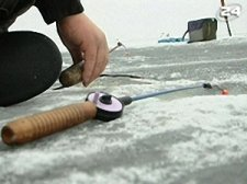 "Трое рыбаков ""ушли"" под лед вблизи Кременчуга"