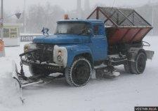 Кременчугские коммунальщики добрались до окраин, минуя тротуары