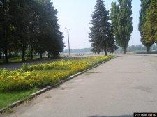 В Приднепровском парке благоустраивают «Аллею аттракционов»