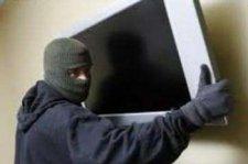 Вчера двое кременчугских преступников ограбили частные дома