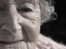 В Кременчуге у 87-летней бабушки украли 22 000 гривен