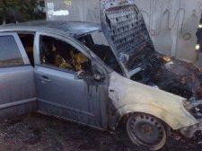 В Кременчуге на автостоянке горел Daewoo Lanos