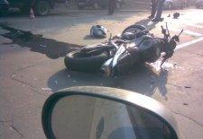 Авария на мосту через Днепр: мотоциклист в больнице