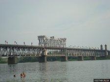 С Крюковского моста снова прыгнул парень