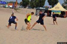 Команда Крюковского вагонзавода выиграла кубок по пляжному футболу