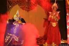 В Кременчуге московский театр «Madhura» устроил огненное шоу