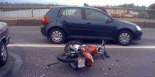 """В Кременчуге """"Мерседес"""" столкнулся с мотоциклом"""
