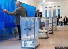 Только три кандидата в депутаты хотят видеть в участковых комиссиях своих представителей