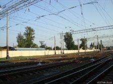 На Крюковском вокзале парень попал под поезд