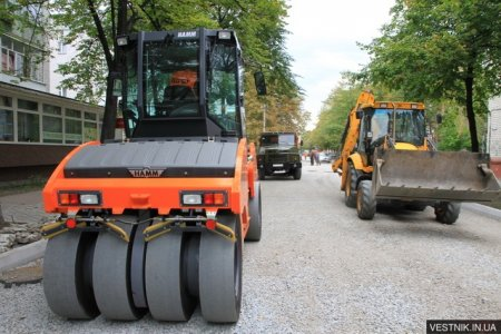 Отремонтировано 30% внутриквартальных дорог