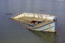 В Кременчугском районе перевернулась лодка с охотниками