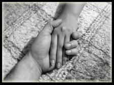 Служба по делам детей Крюковского райисполкома помогает малообеспеченным семьям