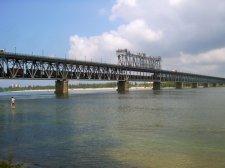 На Крюковском мосту снова запланировали перекрыть движение транспорта