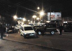 В Кременчуге в аварию попал милицейский «бобик», несколько машин пострадало
