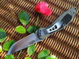 В Кременчуге молодой человек ножом для цветов нанес проникающее ранение обидчику