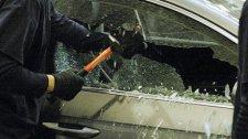 В Кременчуге милиционеры задержали ребят, которые портили и обворовывали автомобили местных жителей