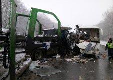 В Полтавской области столкнулись автобус и грузовик: девять пострадавших