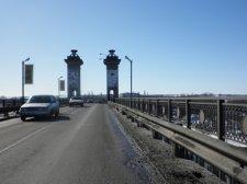 Сегодня ночью будут засыпать ямы на Крюковском мосту