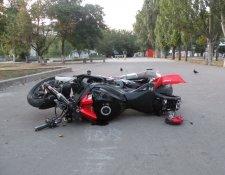 ДТП в Крюкове: водитель мотоцикла разбился насмерть, пассажирка - в реанимации