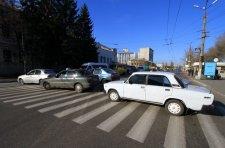 В Кременчуге таксисты перекрыли движение в центре