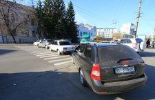Кременчугским таксистам, что создали пробку на улице, грозит штраф