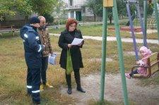 Спасатели проводят разъяснительную работу среди граждан по предупреждению возникновения пожаров в быту
