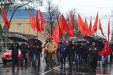150 демонстрантов в Кременчуге отметили сегодня годовщину октябрьской революции
