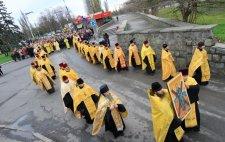 Крестный ход в Кременчуге и освящение места Кафедрального собора