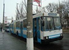 В Кременчуге троллейбусы будут возить пассажиров на час дольше