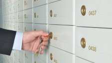 Стали відомі прізвища корупціонерів, яким Швейцарія заблокувала рахунки